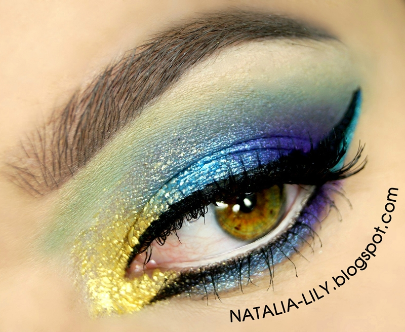 http://natalia-lily.blogspot.com/2014/10/makijaz-inspirowany-pawiem-1.html