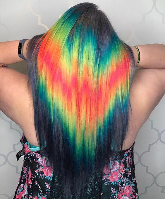 Conheça a nova tendência dos cabelos coloridos: Shine Line, veja lindas inspirações. Acesse agora!