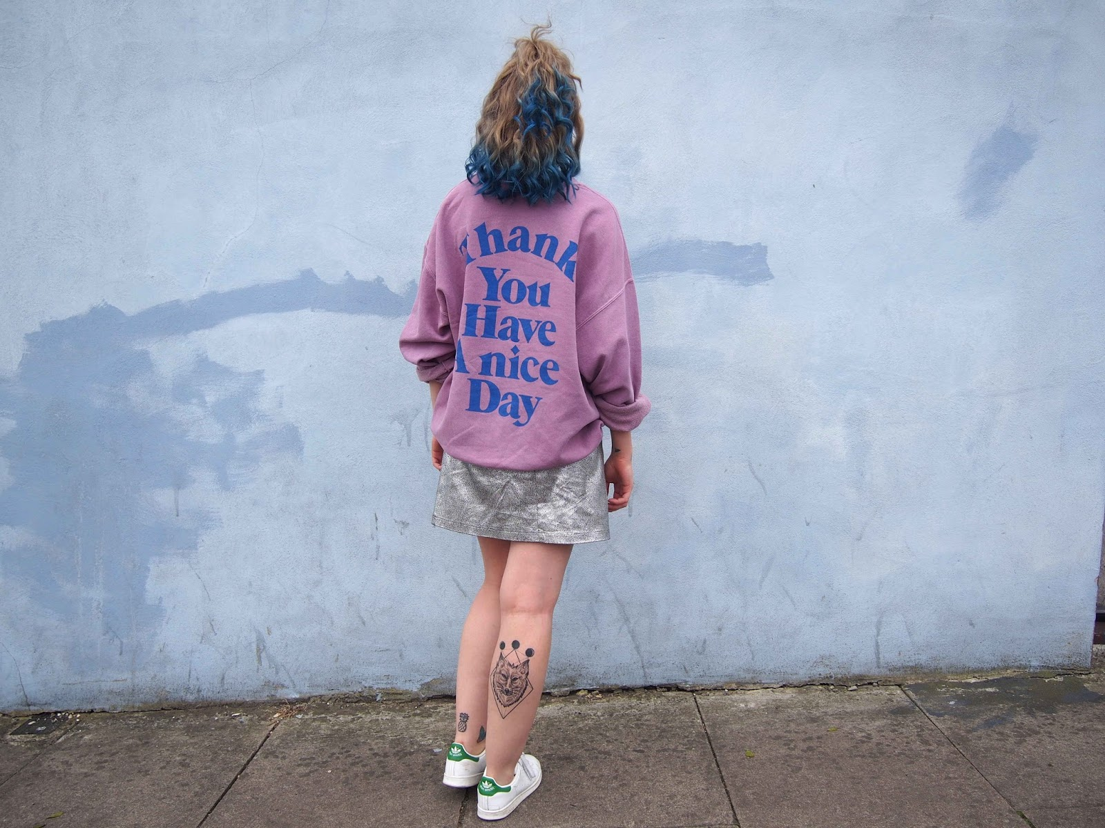 spring outfit, spring outfit ideas, fashion trend 2017, 2017 ss fashion trend, gunge outfit ideas, metallic skirt, oversized jumper, stan smith trainers