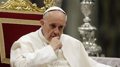 Os tropeços do Papa preocupam fiéis