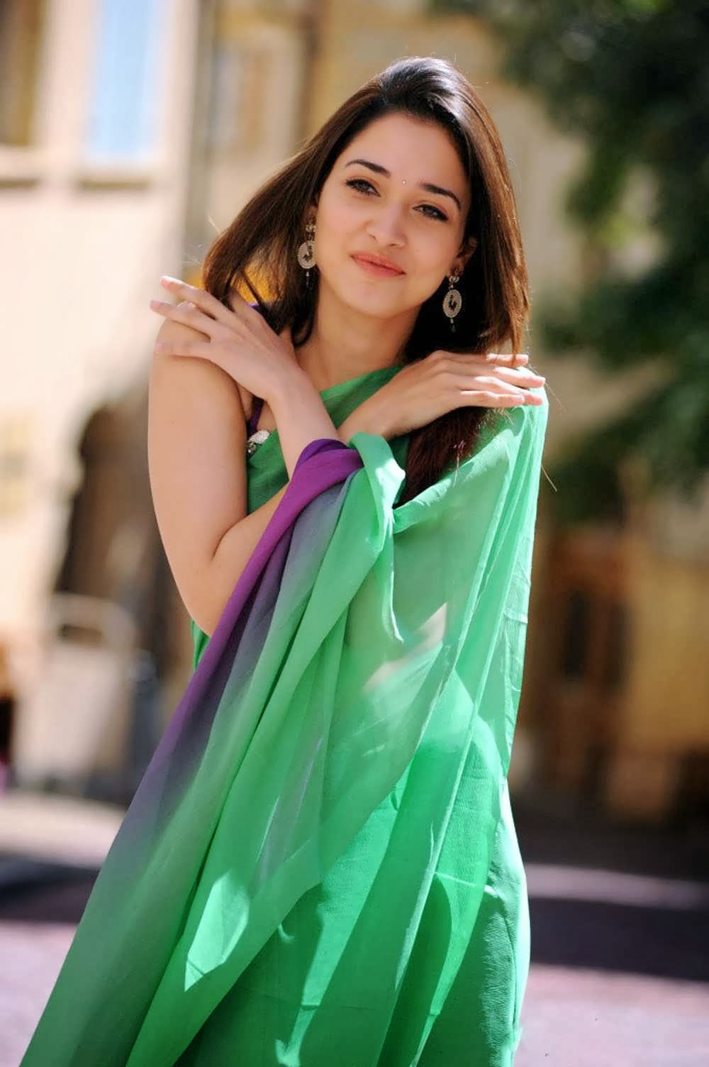 Tamanna Saree Gulte: Tamanna Latest Photo Shoot Pics In Green Saree