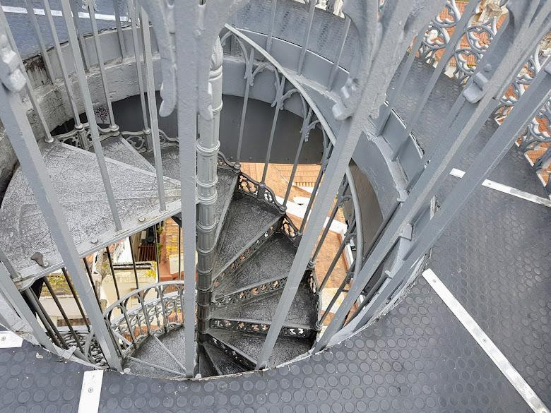 景觀台的樓梯,往下看會很抖呢