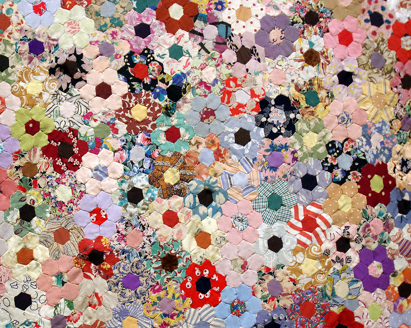 Hexagon Quilt 1942-44 by Elizabeth Mary Evans | Making the Australian Quilt 1800-1950 | © Red Pepper Quilts 2016