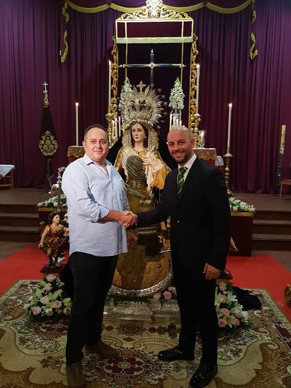 Humildad y Paciencia firma los contratos para el acompañamiento musical de Dolores y Esperanza del Domingo de Ramos
