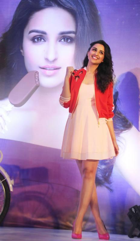 shuddh desi romance girl parineeti chopra photo