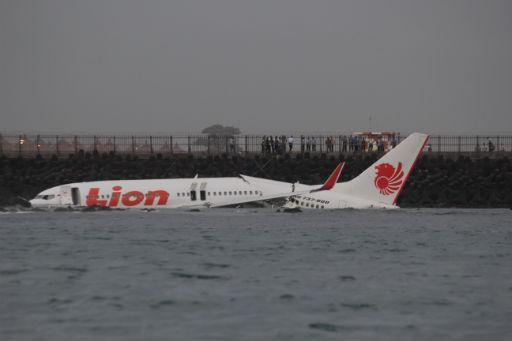 The AirSafe com News: April 2013