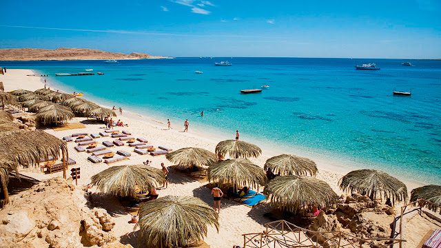 Red Sea Beach - Is Egypt Worth Visiting - www.tripsinegypt.com