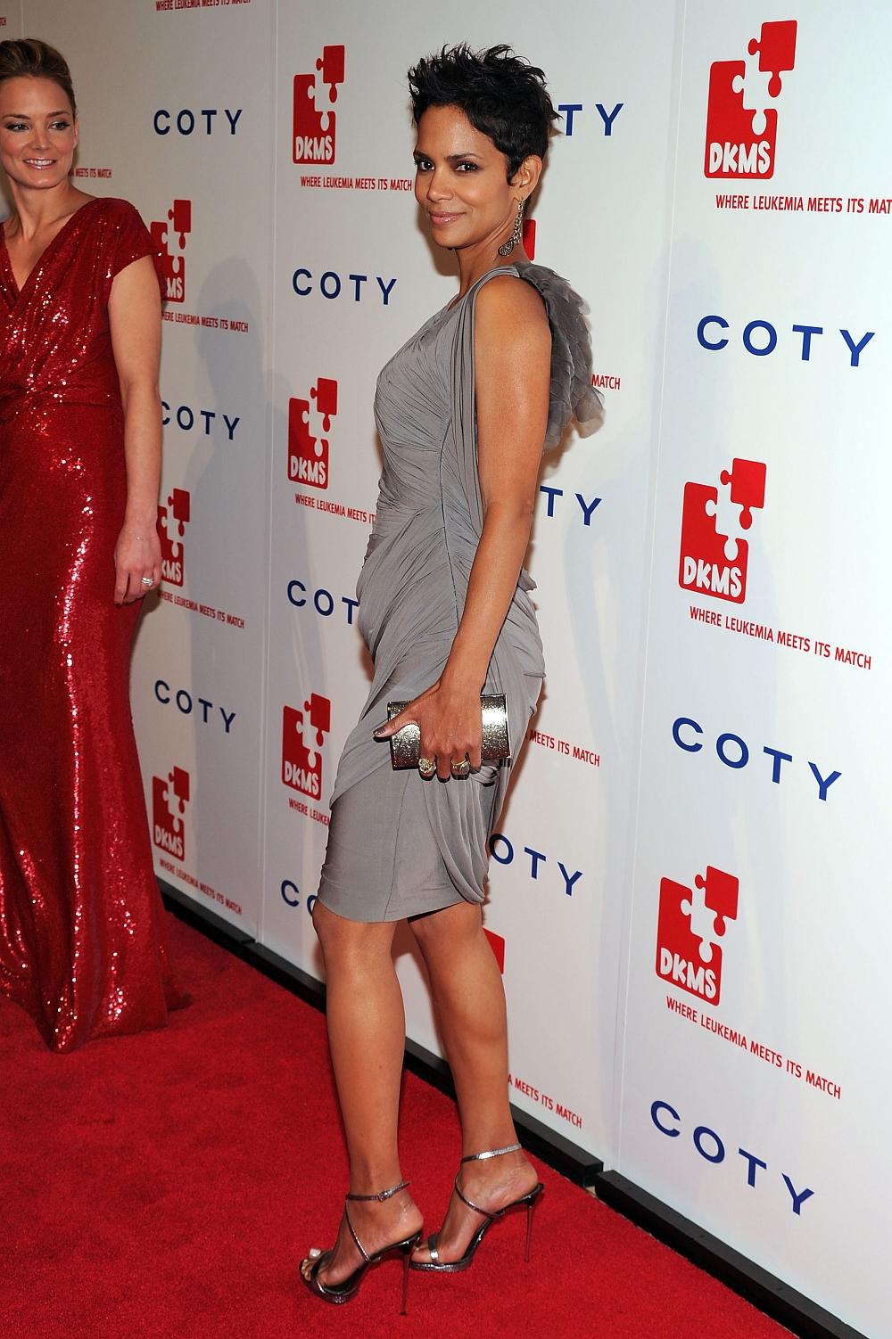 Halle Berry Halle Berry Legs