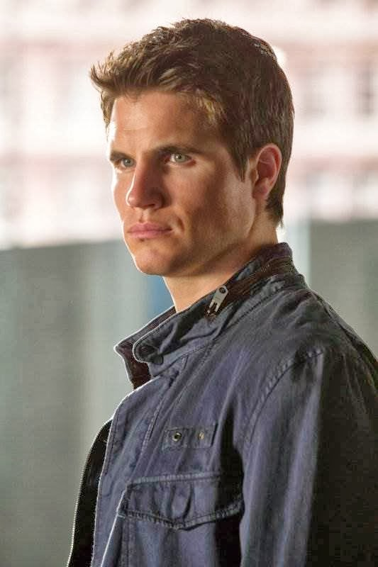 'Tomorrow People': Robbie Amell on Stephen/Cara Fallout ...
