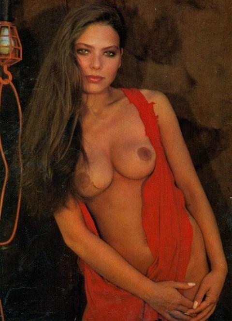 Muti naked ornella