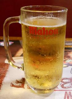 cerveza sin alcohol en jarra