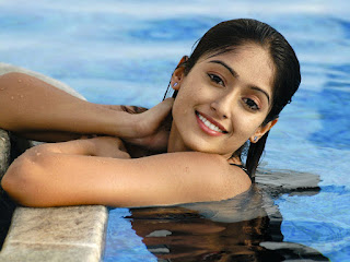 Ileana DCruz cute smile photos