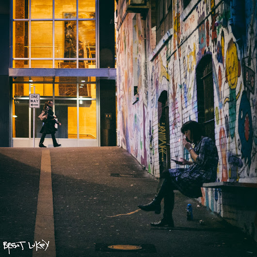 Tuesday night, outside Cherry, ACDC Lane - Melbourne (winter 2017).