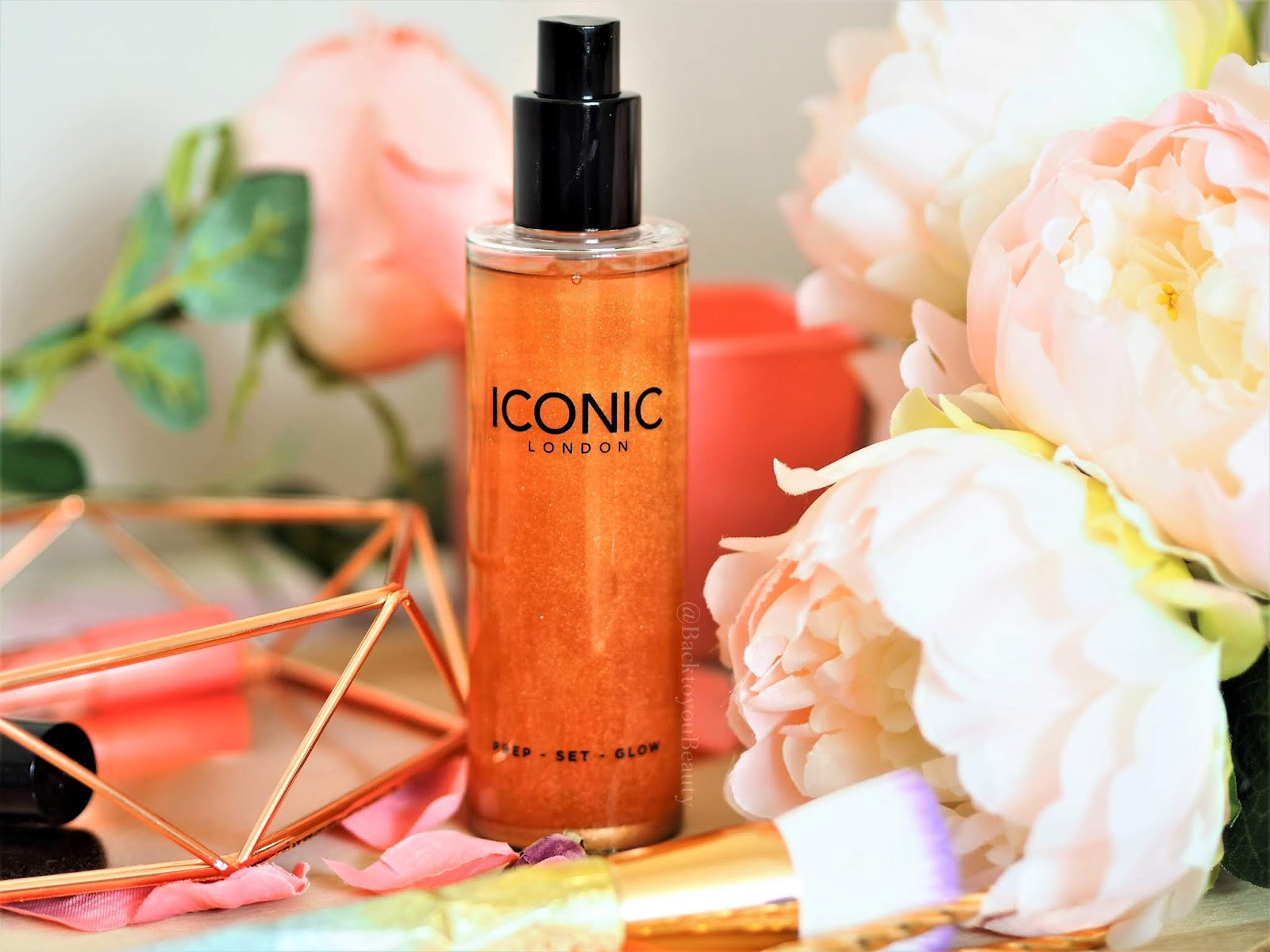 Iconic London prep set and glow spray