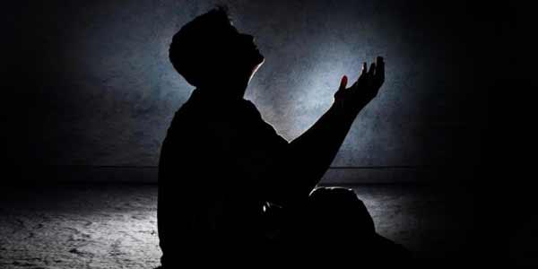 Subhanallah, Sesungguhnya Allah SWT Itu Lebih Dekat Pada Orang Yang Berdo'a. Ini Penjelasannya !