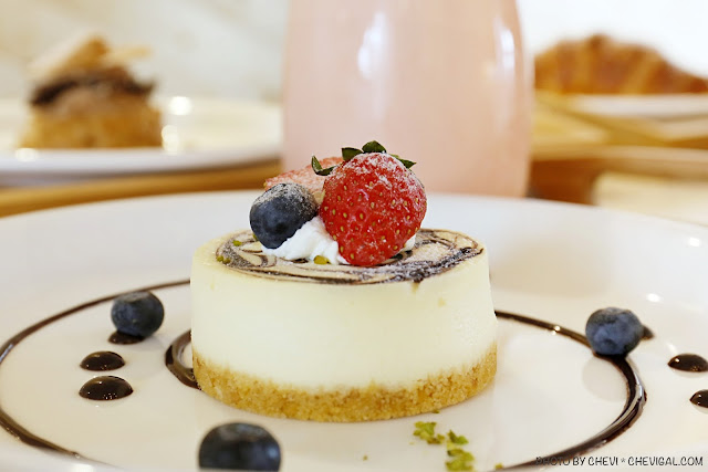 MG 0947 - 熱血採訪│卷卷蛋糕,網路人氣名店烏日實體店面新開幕!來吃甜點就送飲料超貼心!