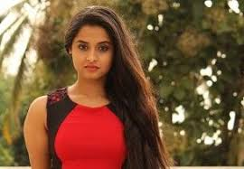 Arthana Profile Biography Family Photos and Wiki and Biodata Body Measurements Age Husband Affairs and More