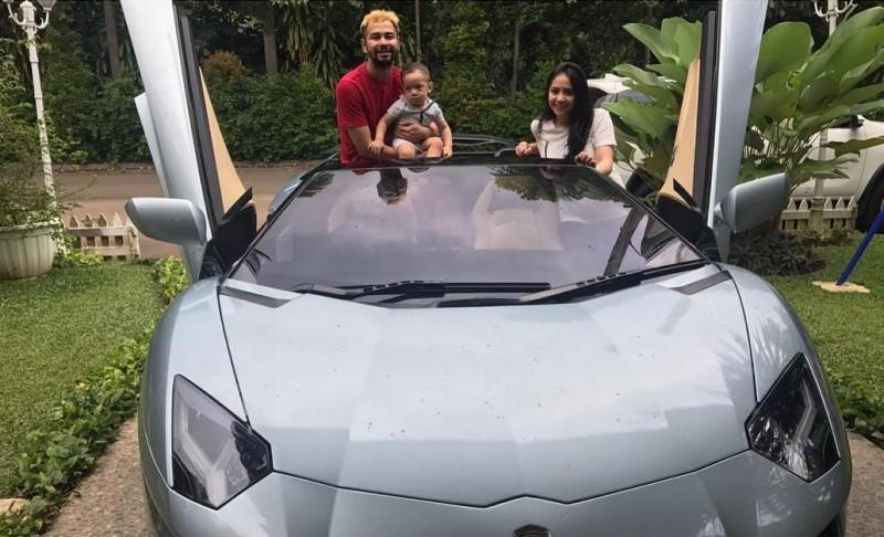 Raffi Ahmad memberi mobil Lamborghini yang baru