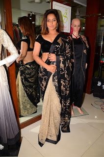 Neetu Chandra in Black Saree at Designer Sandhya Singh Store Launch Mumbai (75).jpg