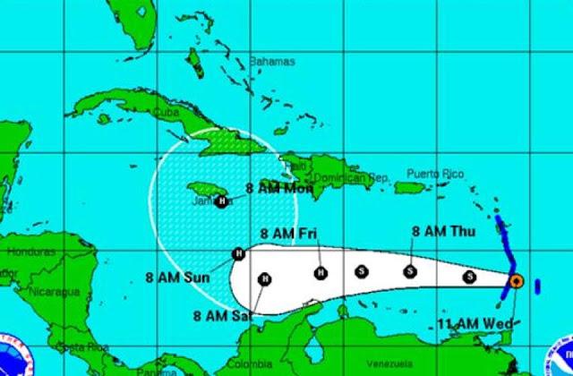 tormenta-tropical-matthew-se-desplaza-frente-costas-venezolanas