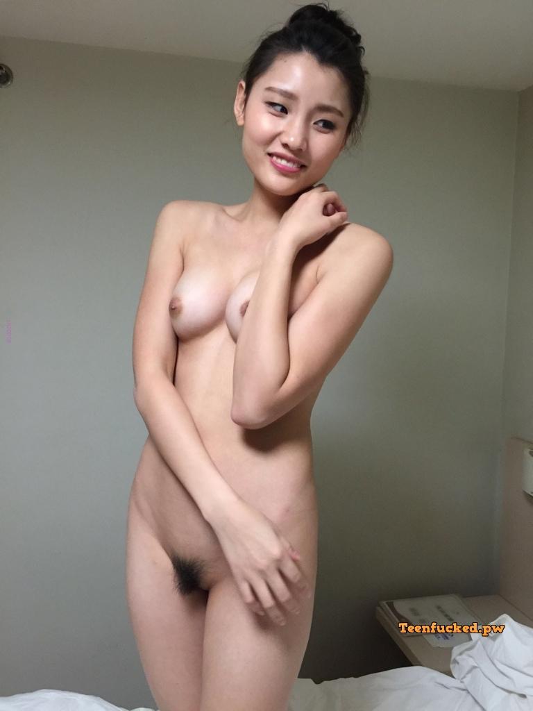 6B 6UX6czc4 wm - Cute nude asian girl show pussy 2020