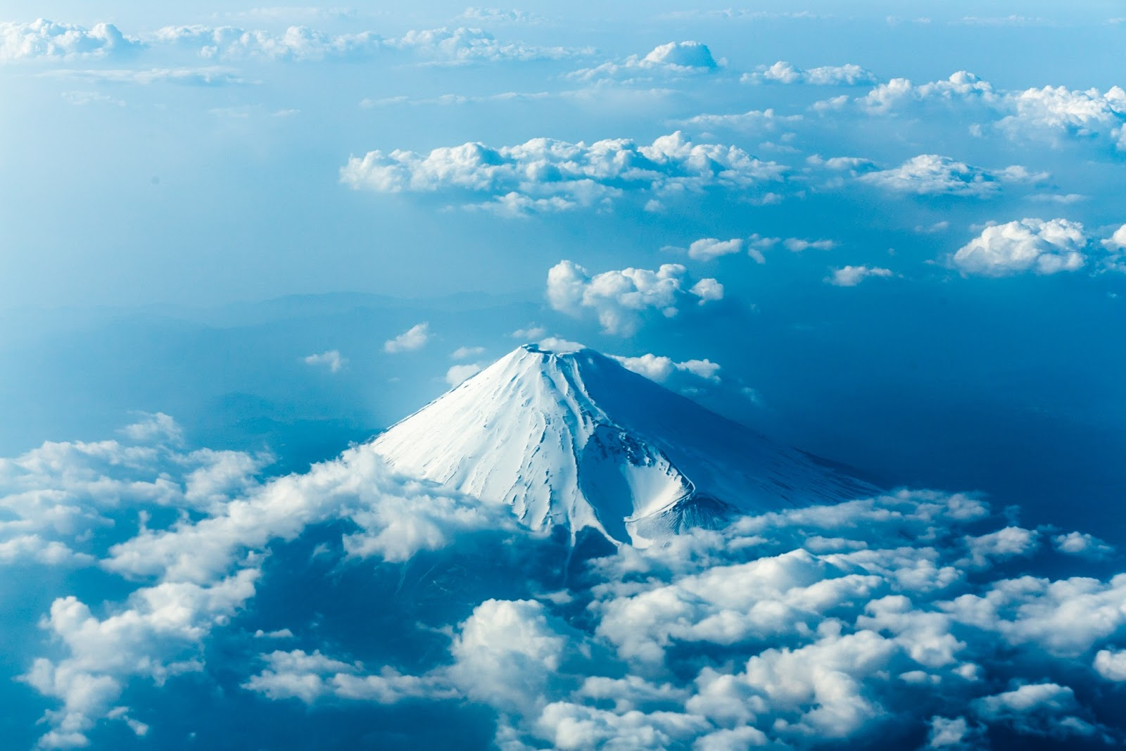 Mt. Fuji from the sky by Toshio Kawai