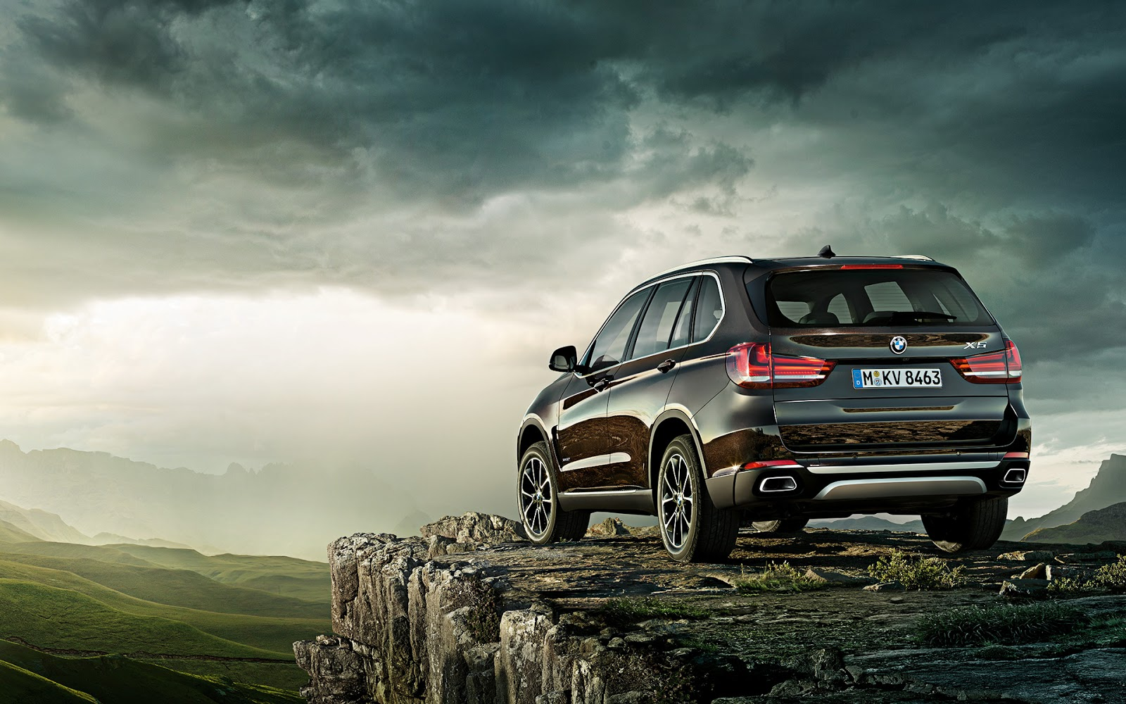 f15 2014 bmw x5 wallpapers and video town country bmw. Black Bedroom Furniture Sets. Home Design Ideas