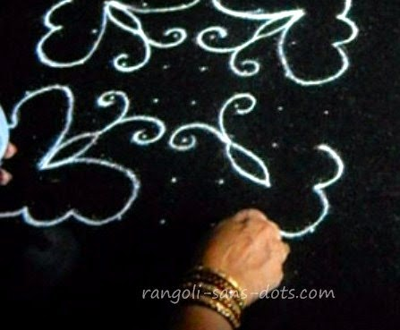 butterfly-kolam-step-2.jpg