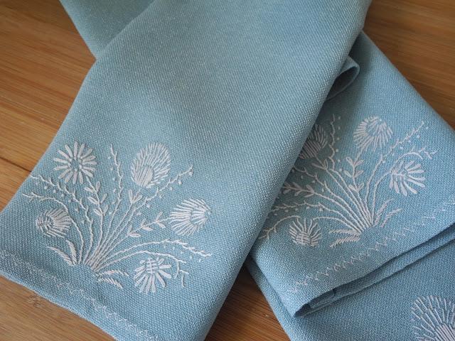столовые салфетки, вышивка различными швами, японская вышивка