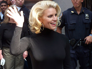 Jessica Simpson IN MUSIC WHO ARE 5'1 AND SHORTER!
