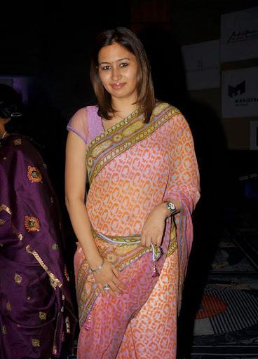 Jwala Gutta hot Saree Pic