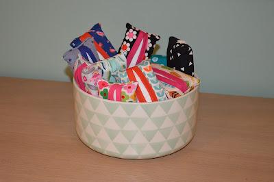 zakdoekhoesjes, biais, restjes verwerken, cadeau voor de kleuters