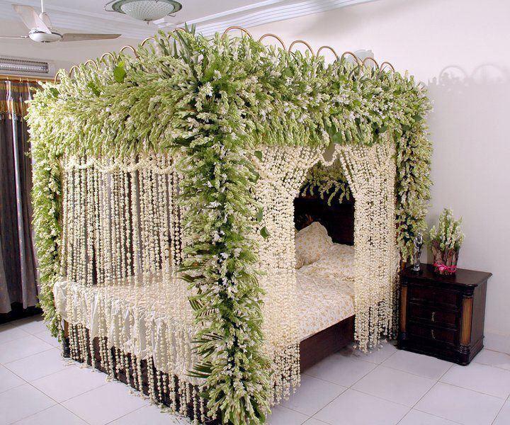 Indoordesign: Bride & Groom: Wedding Room Decoration/Bedroom Decoration