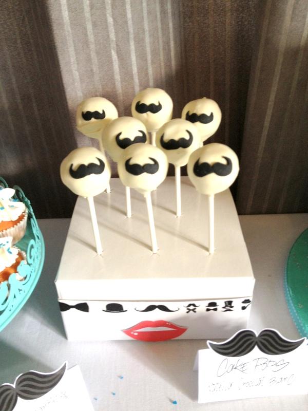 cake pop vanille et moustache