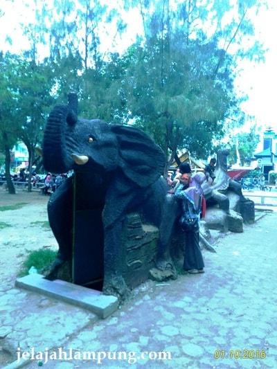 toilet gajah taman merdeka