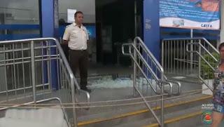 Grupo faz reféns, explode cofre e troca tiros com a polícia em Areia