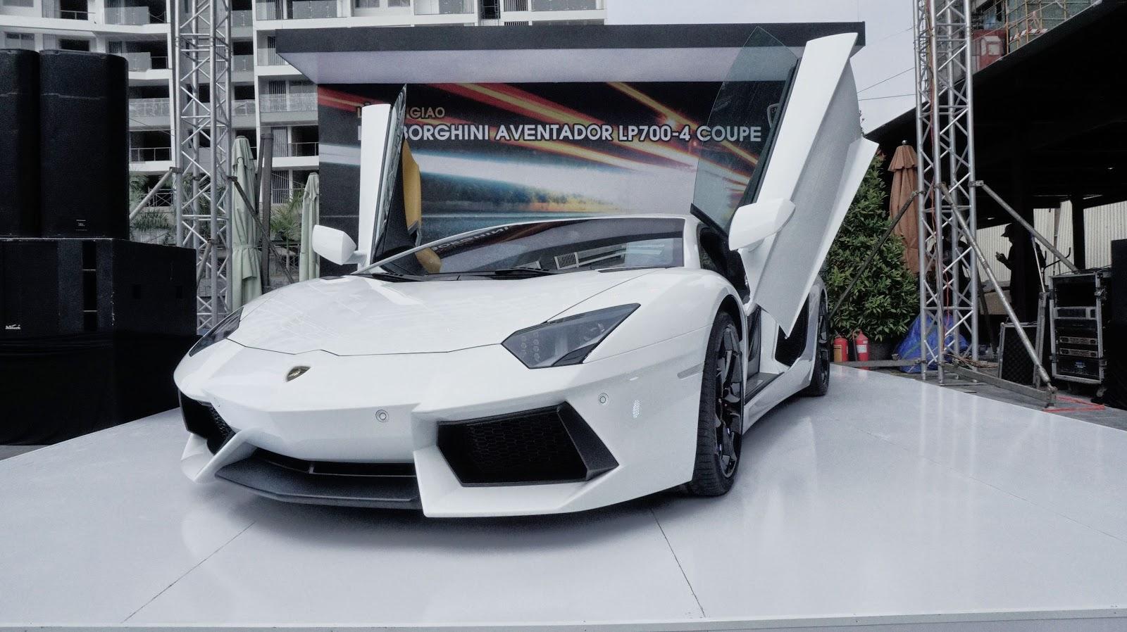 Lamborghini Aventador LP700-4 trắng tinh khôi là siêu xe Aventador chính hãng đầu tiên tại Việt Nam