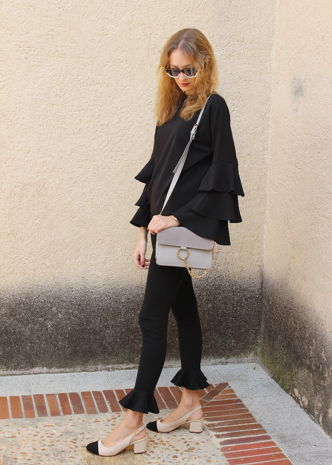 total-black-look-street-style