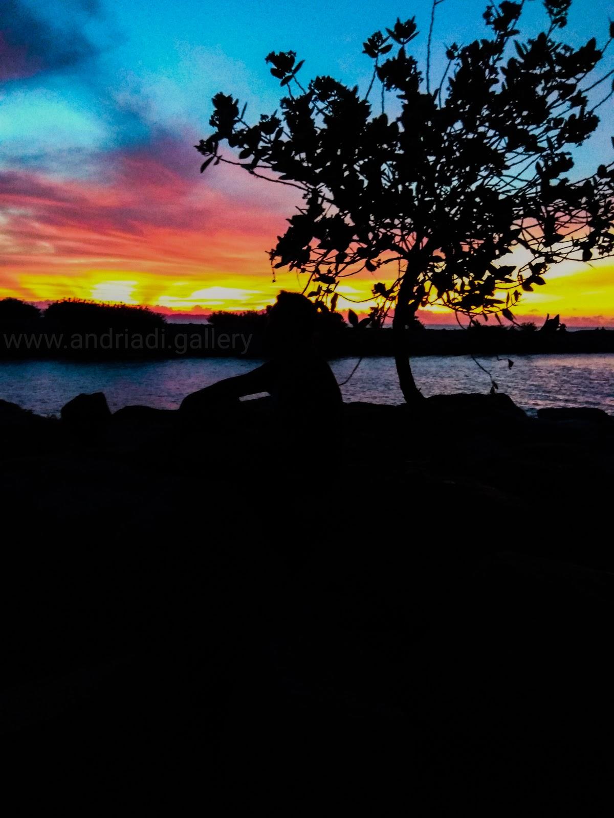 Santai Menikmati Sunset | Phone Wallpapers HD  Free Stock Photos