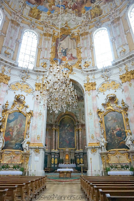 Spending a Day in Ettal, Germany: Exploring Schloss Linderhof + Ettal Abbey | CosmosMariners.com