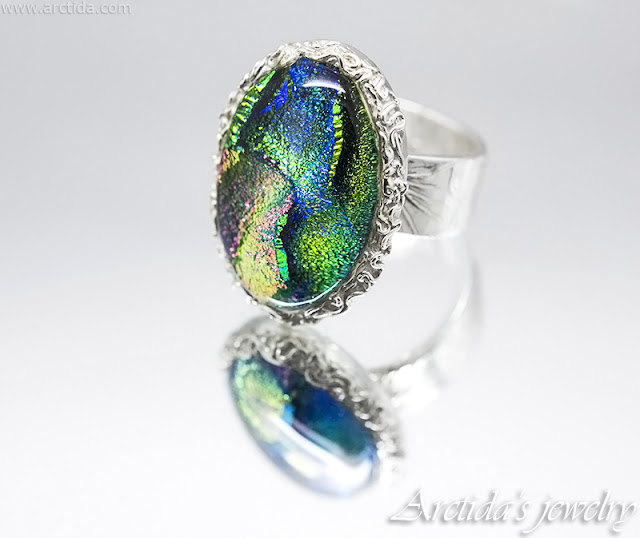 https://www.arctida.com/en/home/138-dichroic-glass-fine-silver-cocktail-ring.html
