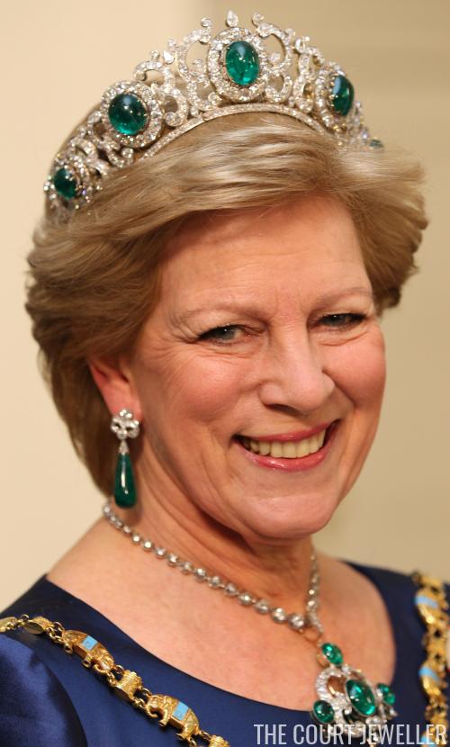 The Daily Diadem: The Greek Emerald Parure Tiara