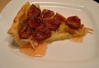 Тарт със смокини и сирене бри