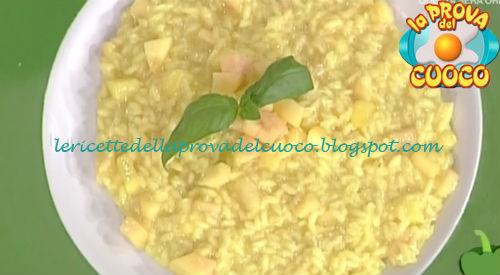 Risotto alle pesche e ricotta salata ricetta Giunta da Prova del Cuoco