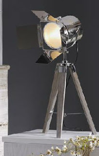 lampara tripode de sobre mesa