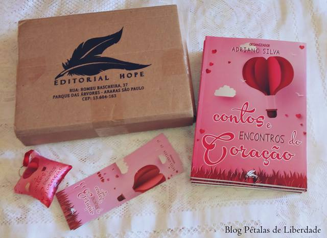 """Resenha: livro """"Contos e encontros do coração"""""""