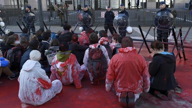 Belgas protestan en Bruselas contra el acuerdo CETA