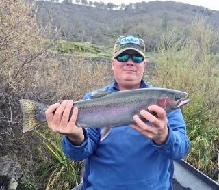 Upper rogue river steelhead rogue river fishing guides for Rogue river oregon fishing