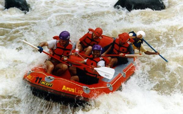 tempat wisata sukabumi sungai citarik