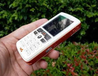 Hape Jadul Sony Ericsson W800i Walkman Phone Seken Fullset Eks Garansi Resmi